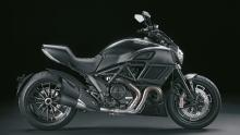 Diavel-MY18-Dark-01-Slider-Gallery-1920X1080