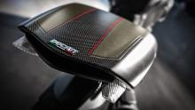 Diavel-Carbon-MY18-Dark-17-Slider-Gallery-1920x1080