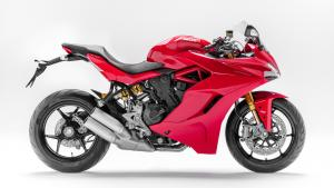 Supersport-S-MY18-Red-39-Slider-Gallery-1920x1080