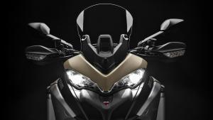 Multistrada-1260-Enduro-MY19-16-Studio-Gallery-1920x1080