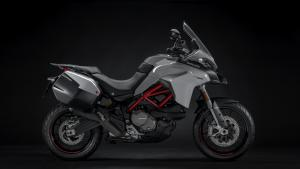 Multistrada-950-S-MY19-Studio-03-Gallery-1920x1080