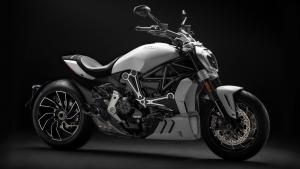 XDiavel-S-MY18-White-24-Slider-gallery-1920x1080