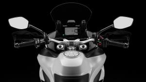 Multistrada-950-MY18-White-26-Slider-Gallery-1920x1080