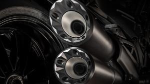Diavel-Diesel-MY18-12-Slider-Gallery-1920x1080